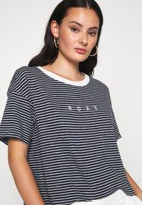 Roxy - INFINITY IS BEAUTIFUL - Print T-shirt - mood indigo - 4