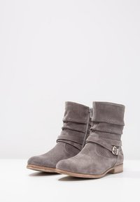 Pier One - Classic ankle boots - grey - 3