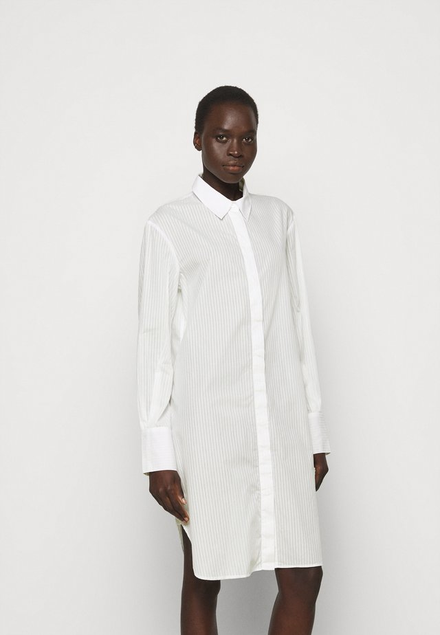 ALANA DRESS - Košilové šaty - white