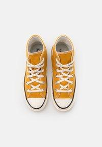 Converse - CTAS 70S UNISEX - Zapatillas altas - sunflower - 3