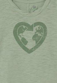 GAP - TODDLER GIRL EASY  - Print T-shirt - smoke green - 2