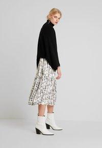 Love Copenhagen - ELLIE MIDI PARTY DRESS - Maxi dress - chalk - 1