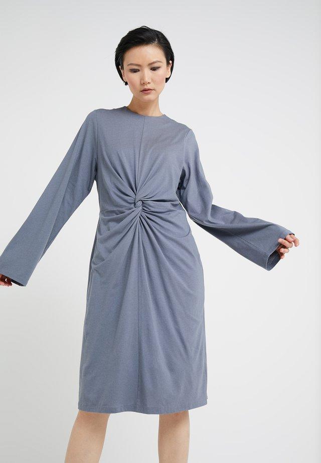 SKILLA - Jersey dress - steel grey