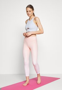 Free People - ROLL WITH THE PUNCHES BRAMI - Sujetador deportivo - sky - 1