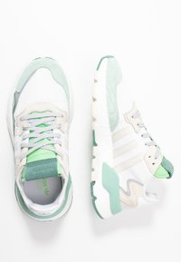 adidas Originals - NITE JOGGER  - Zapatillas - footwear white/alumin - 3