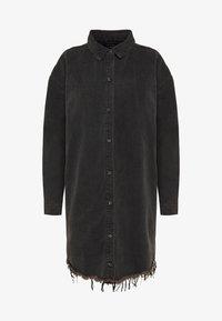 Missguided Tall - OVERSIZED DRESS STONEWASH - Denimové šaty - black - 4