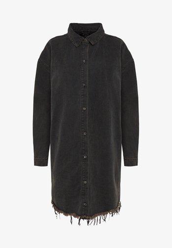 OVERSIZED DRESS STONEWASH - Denimové šaty - black