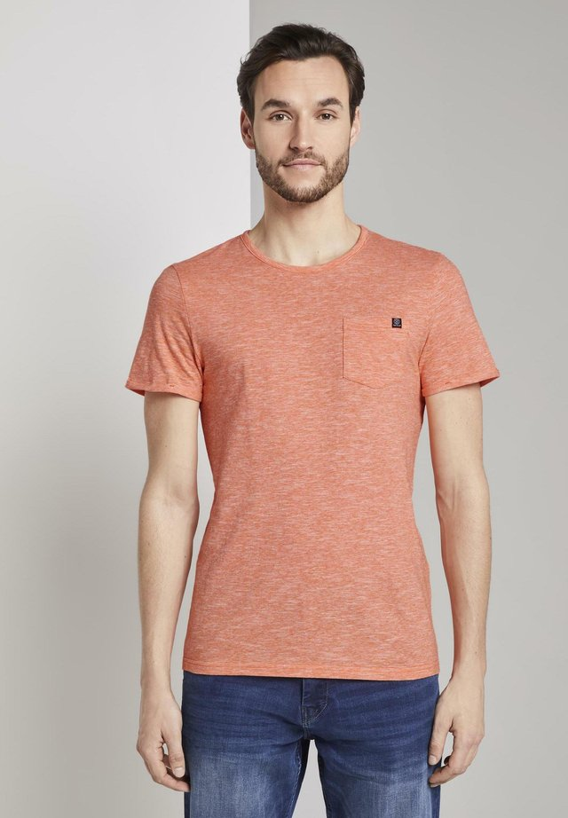 WITH CHEST POCKET - Basic T-shirt - orange dot structure