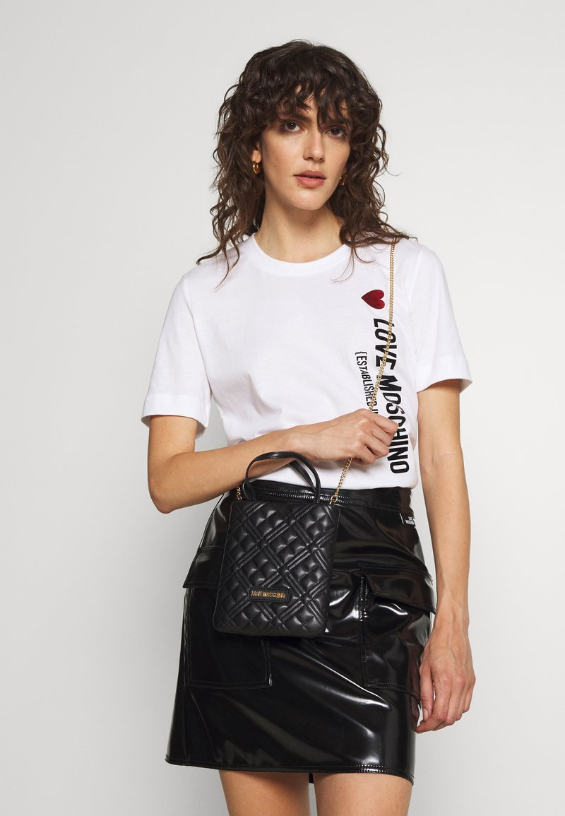 Love Moschino - QUILTED TOP HANDLE CROSSBODY - Across body bag - nero