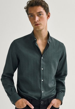 MIT FISCHGRÄTMUSTER - Camicia - green