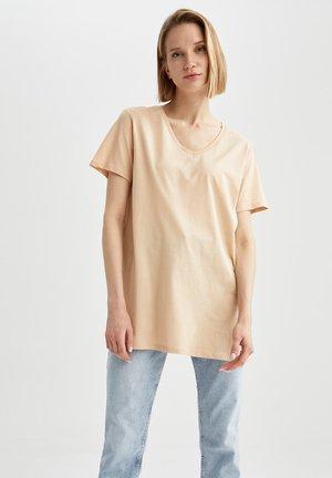 OVERSIZED - Basic T-shirt - beige