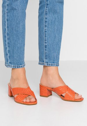 VENETIA - Heeled mules - orange