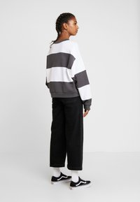 Levi's® - DIANA CREW - Sweater - haley forged iron/white - 2