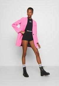 Versace Jeans Couture - PANTS - Shorts - black - 5