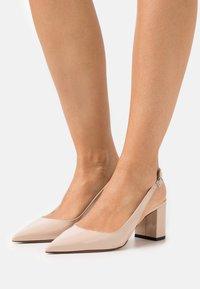 HUGO - INES SLING - Classic heels - light beige - 0