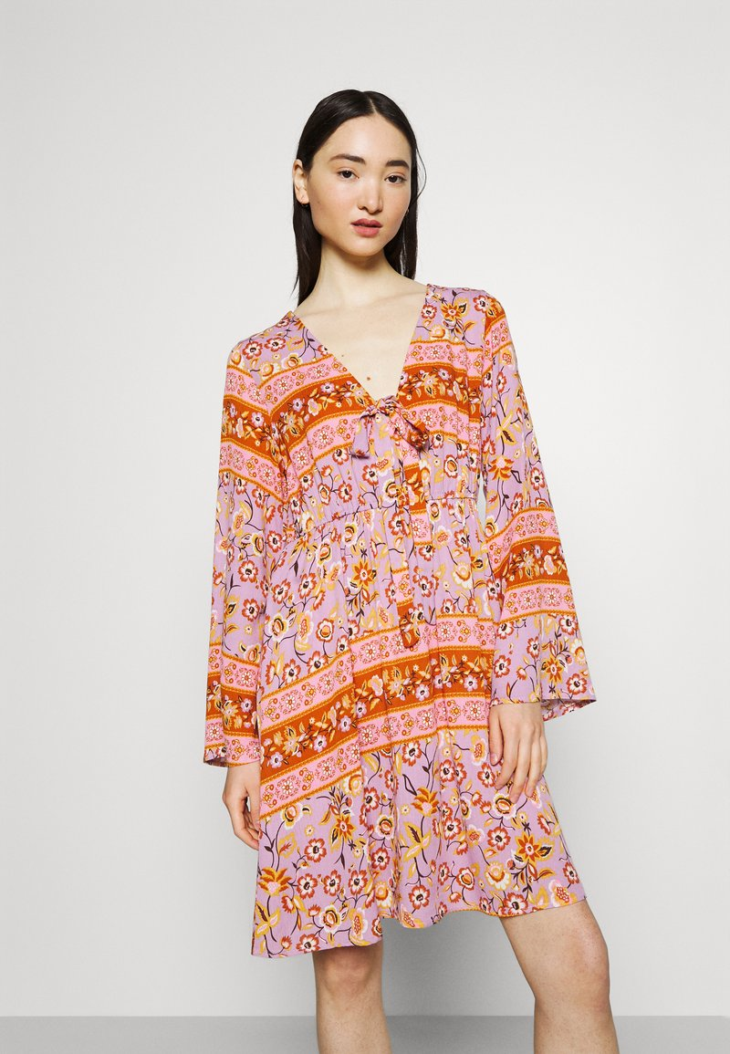 Vila - VICITY FESTIVAL DRESS - Day dress - lavender