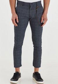 Solid - TRAVIS - Trousers - grey mel - 0