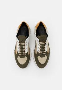 ECCO - Sneakersy niskie - grape leaf - 5