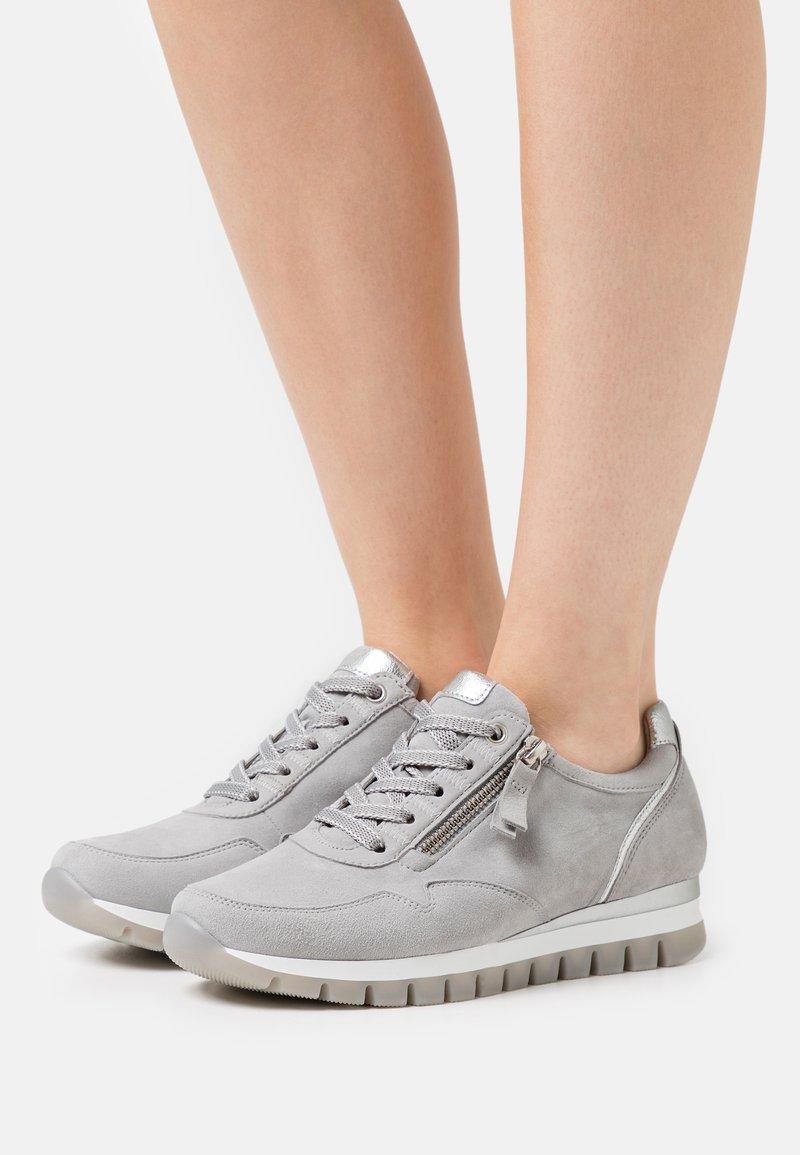 Gabor Comfort - Sneakers laag - light grey/silber