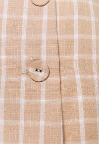 Fashion Union - JAUNE SKIRT - Mini skirt - beige/white - 2