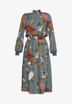 ONLELEONORA SMOCK DRESS - Denní šaty - balsam green