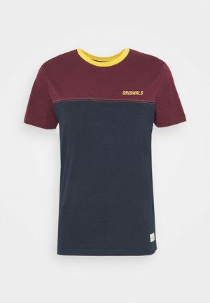 JORREXEN TEE CREW NECK - T-shirt med print - navy blazer