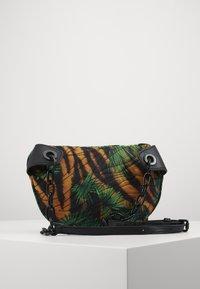 Versace Jeans Couture - JUNGLE PRINT BELT BAG - Bum bag - multicoloured - 2