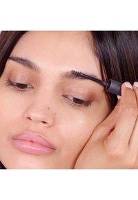 3ina - THE EYEBROW MASCARA - Eyebrow gel - 972 gray - 2