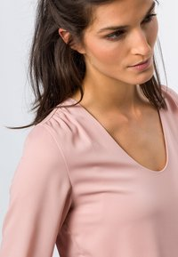 zero - MIT TRANSPARENTEN ÄRMELN - Long sleeved top - misty rose - 3