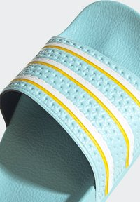 adidas Originals - ADILETTE SLIDES - Pantoffels - blue - 9