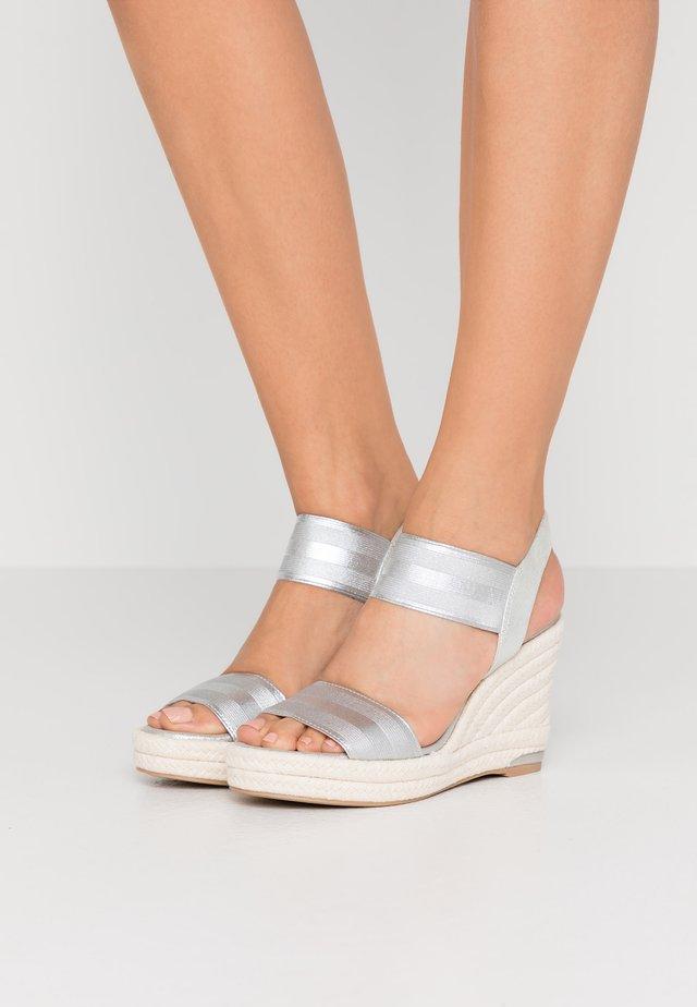 CAT SLINGBACK WEDGE  - Sandales à talons hauts - silver