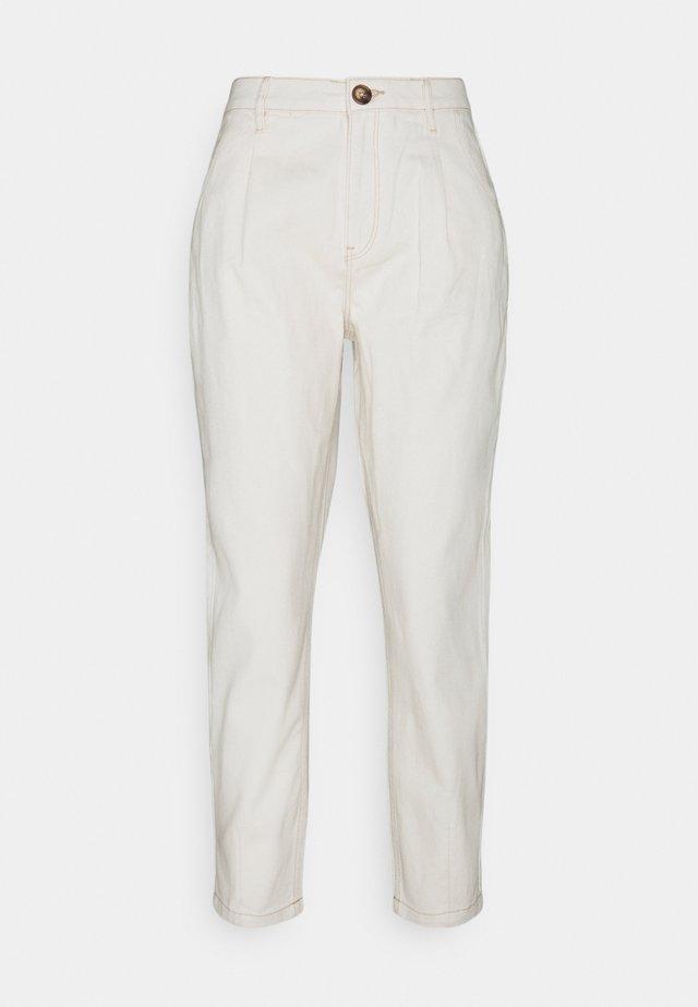WEB PINZAS CRUDO - Pantalones - beige/camel