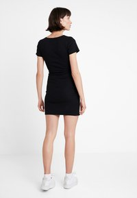 Abercrombie & Fitch - DETAIL DRESS - Vestido de punto - black - 2