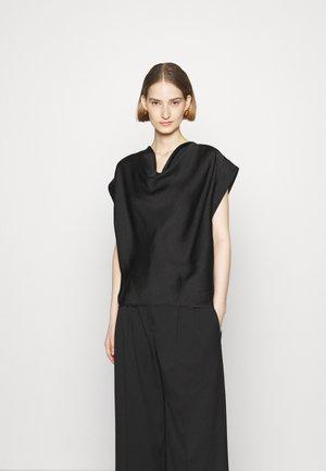 CAJORI - Print T-shirt - black