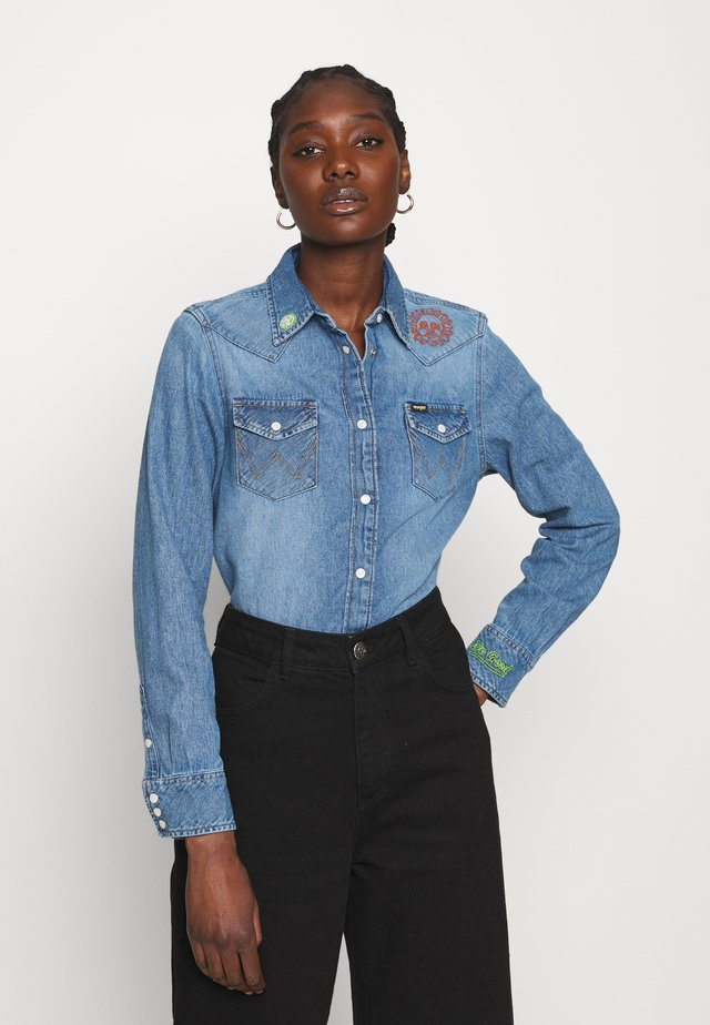 BOYFRIEND WESTERN - Camicia - light blue denim