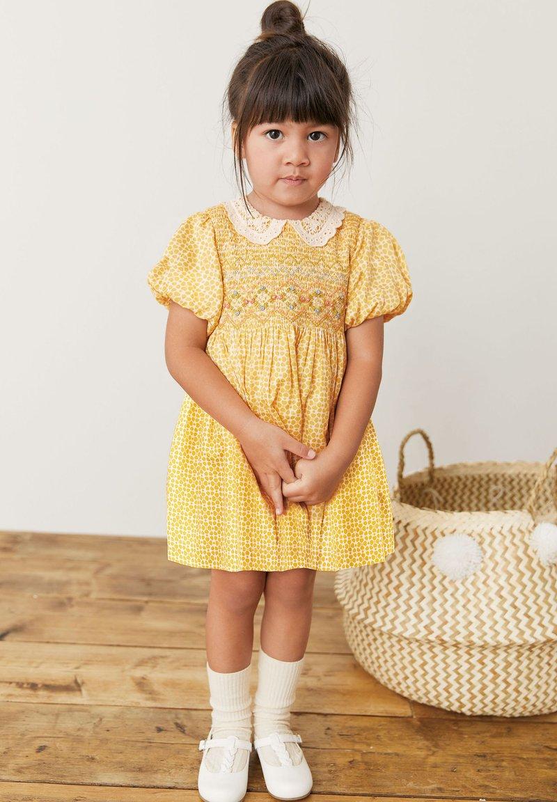 Next - Denní šaty - ochre