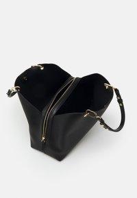 PARFOIS - SHOPPER BAT - Velká kabelka - black - 2