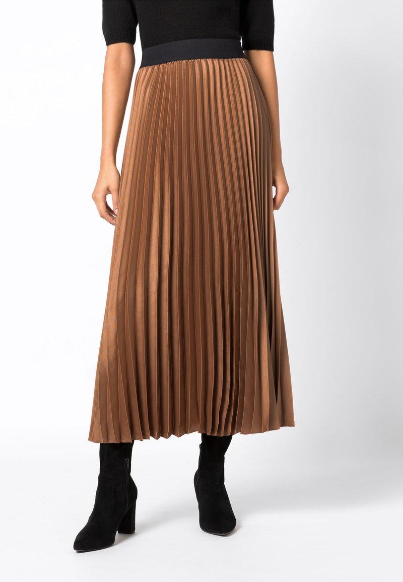 HALLHUBER - MIT KONTRASTBUND - A-line skirt - caramel