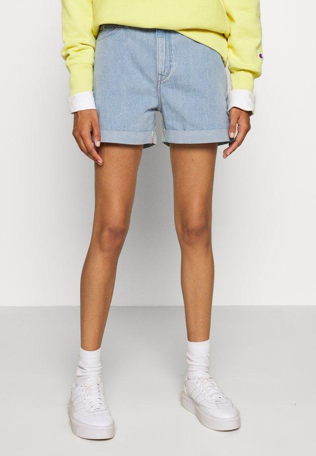 MOM - Denim shorts - bright light