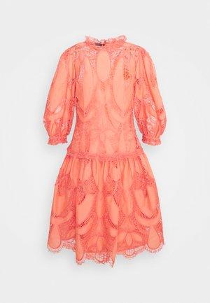 DRESS - Robe de soirée - pink
