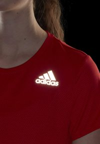 adidas Performance - HEAT RDY TEE - T-shirts med print - red - 6