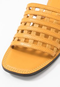 Shoe The Bear - TAO CAGE - Muiltjes - yellow - 2