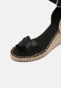 Zign - Sandály na platformě - black - 7