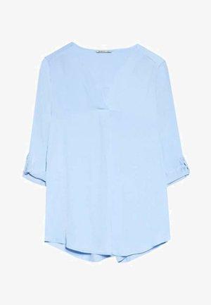 MIT V-AUSSCHNITT - Blouse - light blue