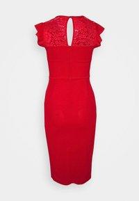 WAL G PETITE - Pouzdrové šaty - red - 6