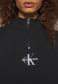 Calvin Klein Jeans - MOCKNECK ZIP WITH MONOGRAM - Freizeitkleid - black - 5
