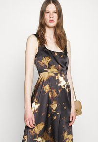 Alexa Chung - SLEEVELESS DAY DRESS - Vapaa-ajan mekko - black/ brown - 3