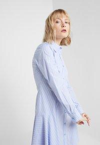 Steffen Schraut - BELLE SUMMER DRESS - Shirt dress - miami stripe - 4