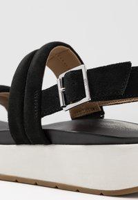 UGG - LYNNDEN - Platform sandals - black - 2