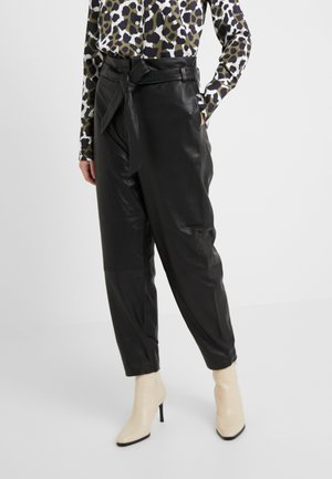 PECAN ARISTA PANT - Leather trousers - black